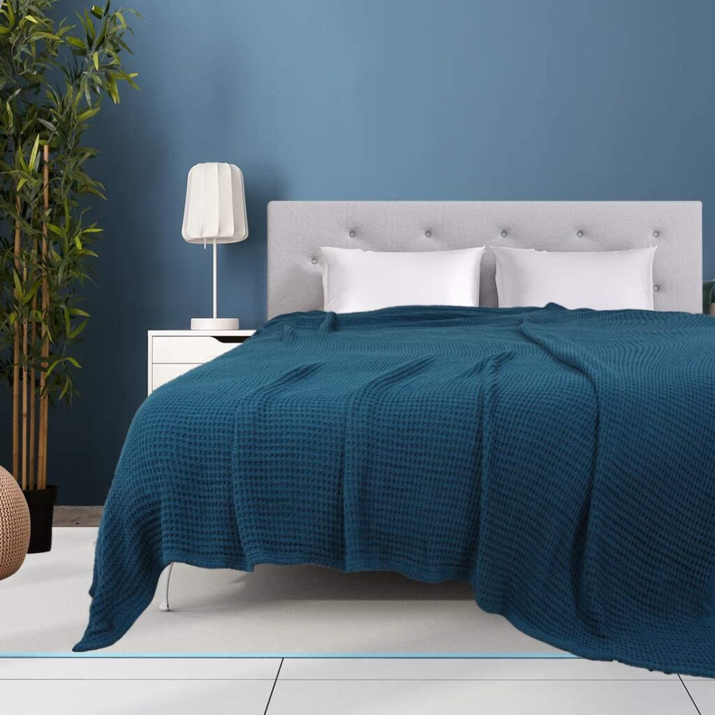 PiccoCasa Cotton Thermal and Lightweight Blanket